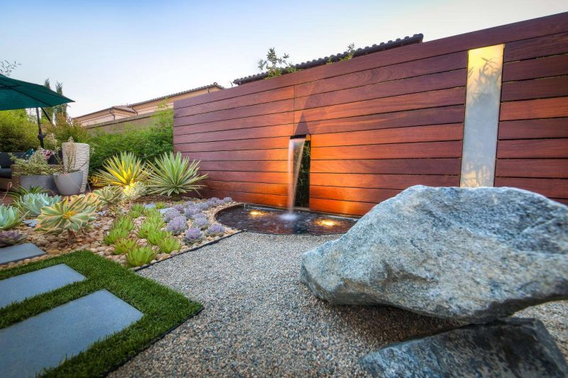 Ландшафтний дизайн клумби з каменями