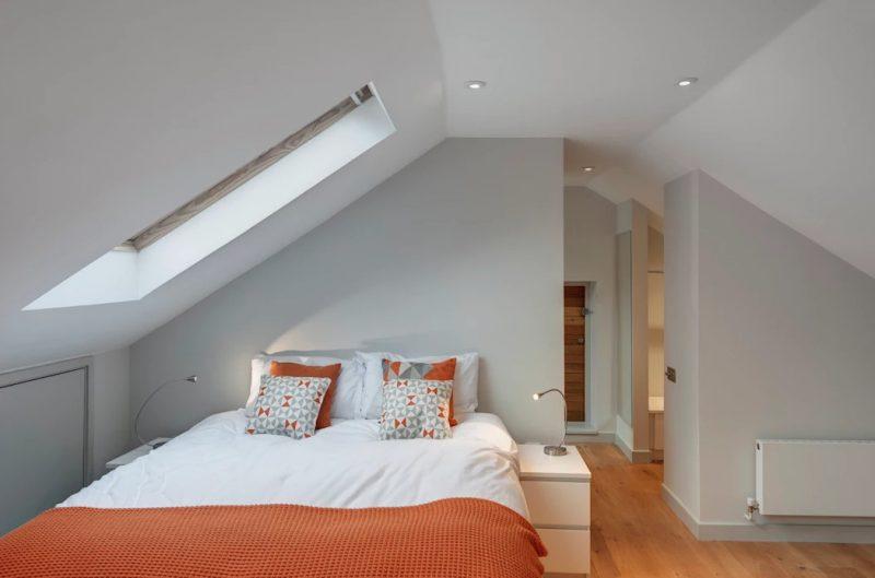 Ремонт спальні на мансардному поверсі
