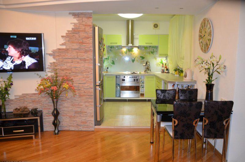дизайн кухні 102 фото реальних інтерєрів поличка