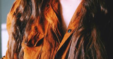 Модні коричневі жіночі блузки фото - 1