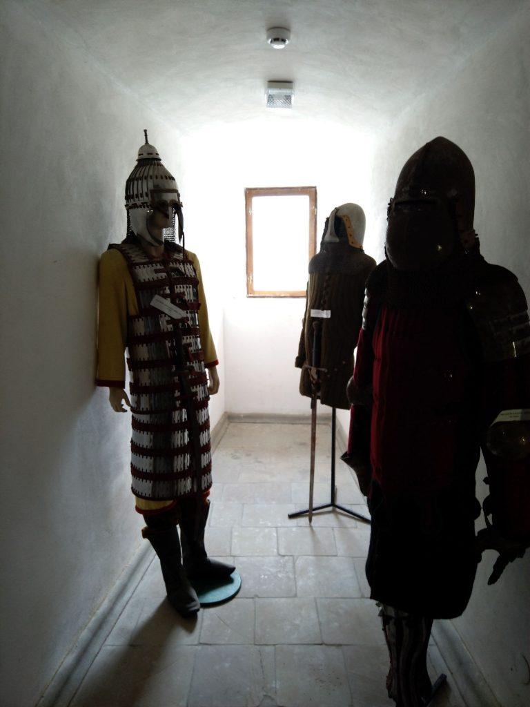 Обладунки воїнів - фото з Хотинської фотеці
