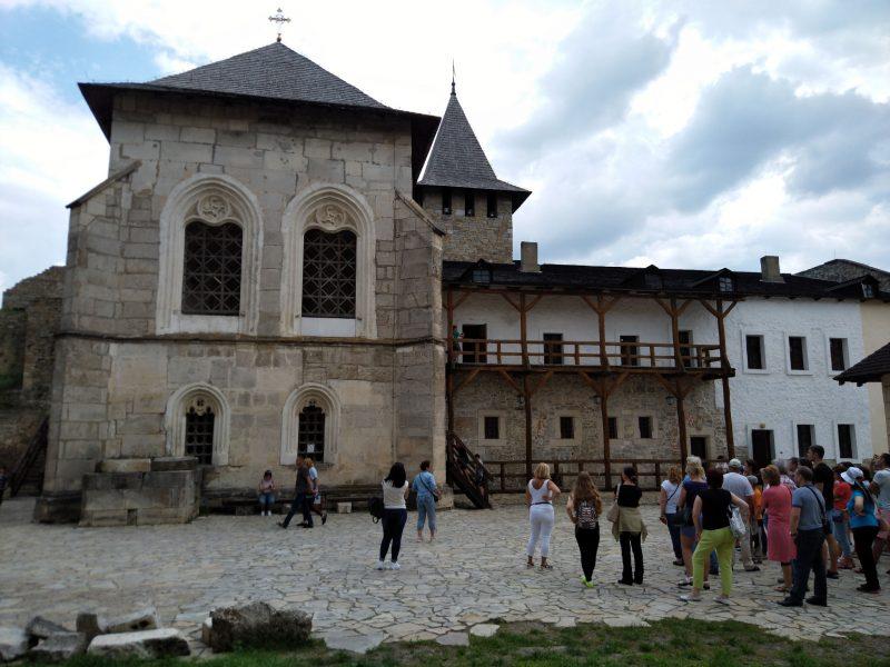 Жила будівля в середині Хотинської фортеці