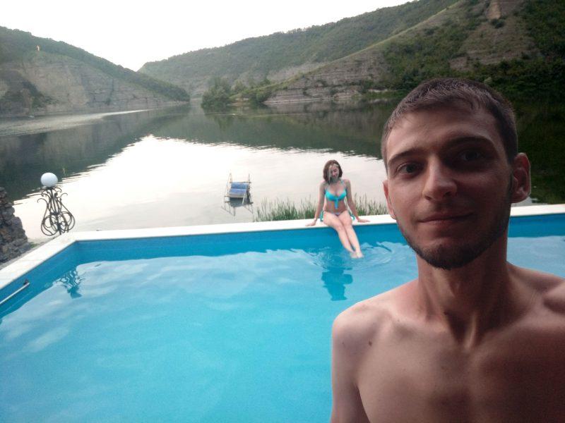 Фото з басейну готелю Ксенія с Врублівці