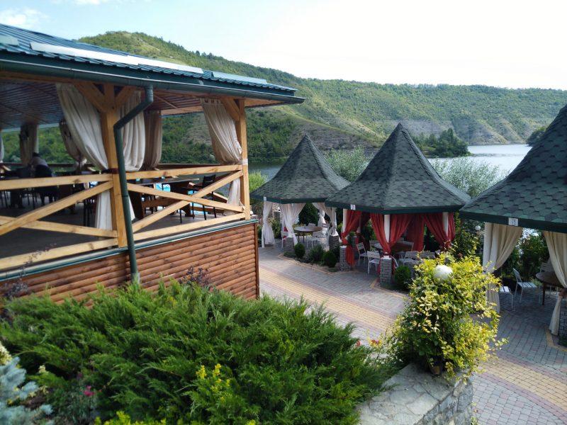 Готель «Ксенія» (Врублівці) - альтанки над Дністром