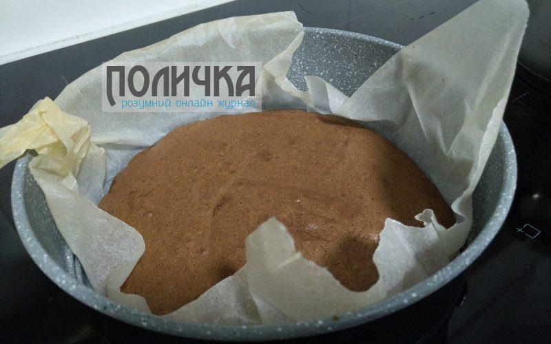 Бісквітний торт з сметанним кремом і горіхами рецепт з фото - 7