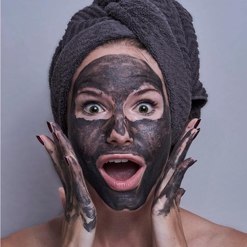 Чорна маска в домашніх умовах з фото -1
