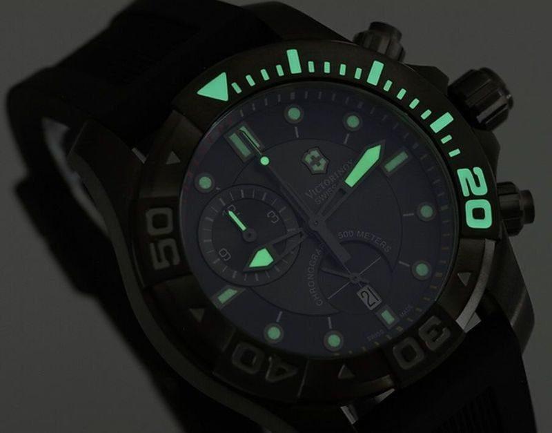 Чоловічий годинник Victorinox V241421 - фото 4