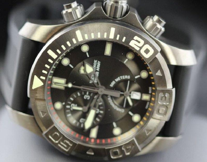 Чоловічий годинник Victorinox V241421 - фото 5